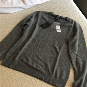 Lord & Taylor 100% Cashmere Long Sleeve Sweater